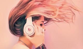 10 Аудиокниг, которые ты должна закачать в свой плеер