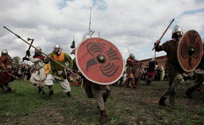 Археолог восстанавливает еще один стиль боя викингов на мечах - «наука»
