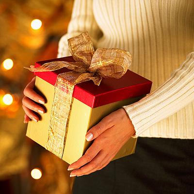 Что дарить на праздники?
