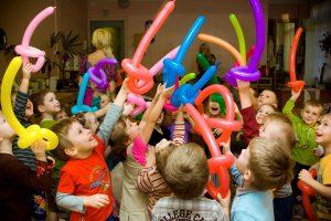 Детский праздник на дому: чем удивить ребенка?