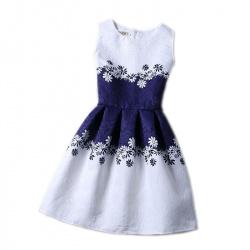 Детское платье с красивым принтом