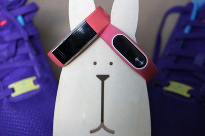 Huawei band 2 pro против xiaomi mi band 2