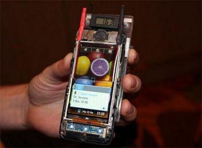 Экран мобильного телефона будет заряжать его аккумуляторные батареи