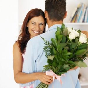 Как дарить женщинам цветы