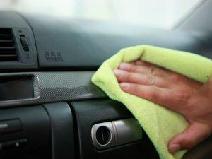 Как правильно следить за салоном автомобиля