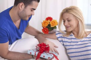 Как правильно выбрать подарок для жены