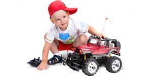 Как выбрать игрушку для мальчика