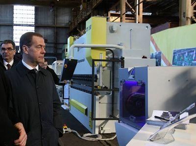 Медведеву показали российский 3d-принтер нового поколения