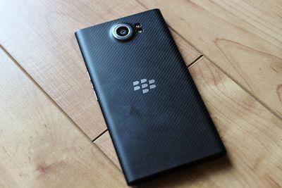 Обзор blackberry priv: зачем нам нужен android-смартфон с клавиатурой?