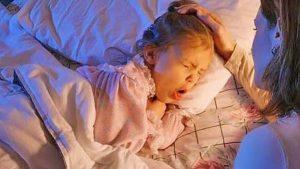 Острый ларингит: как помочь ребенку
