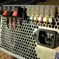 Подпружиненный клеммник для переделки компьютерного блока питания в настольный универсальный источник постоянного тока