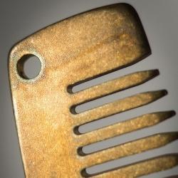 Расческа metal comb works модель standard mgb (solid brass, distressed) + кожаный чехол