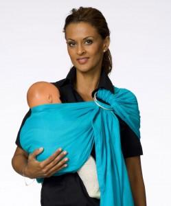 Слинг – простота, физиологичность и удобство для мамы и малыша