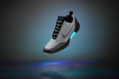 """Smarttech: nike hyperadapt 1.0 — самозашнуровывающиеся кроссовки из """"назад в будущее 2"""""""